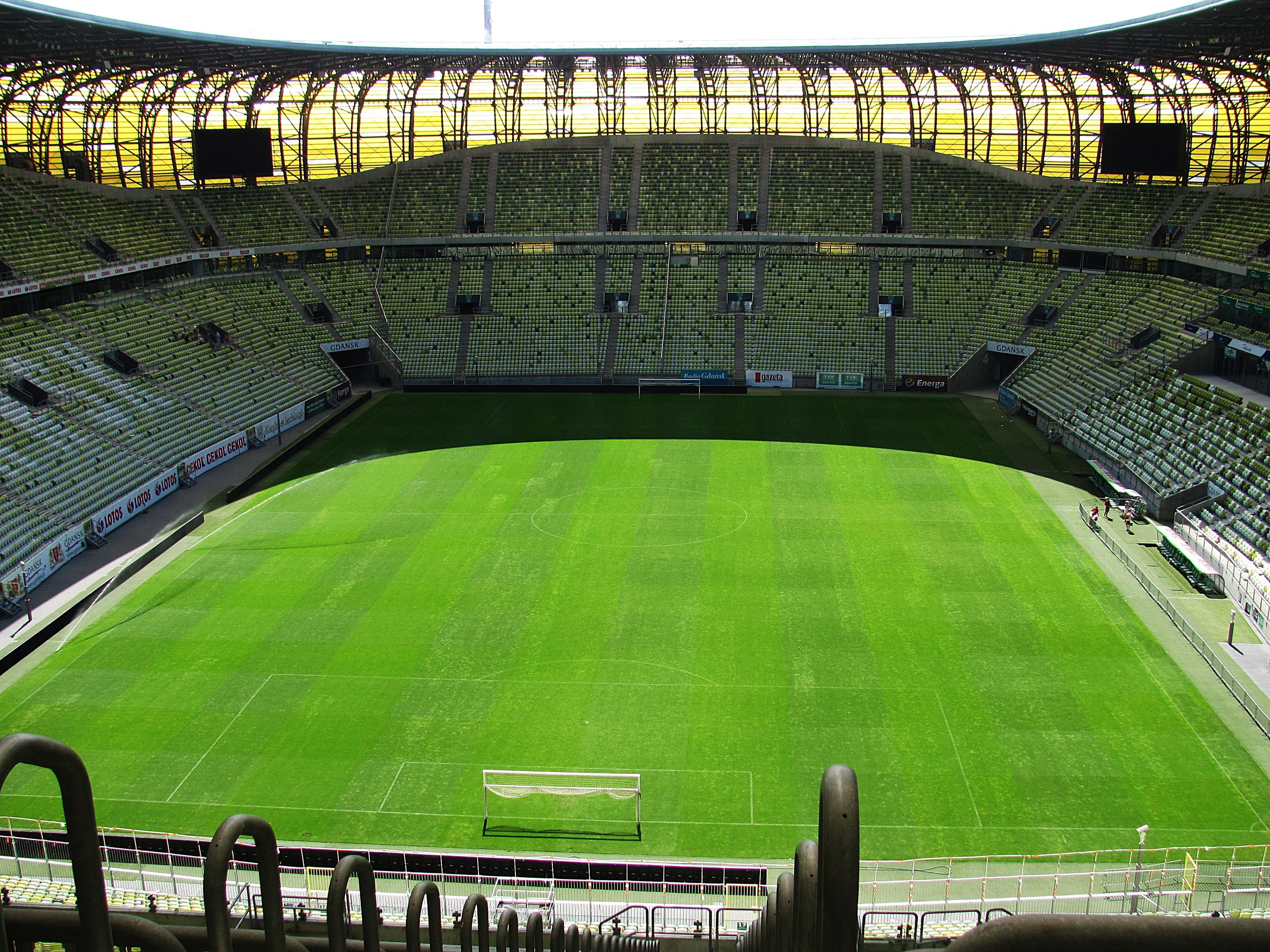 stadion-1065342